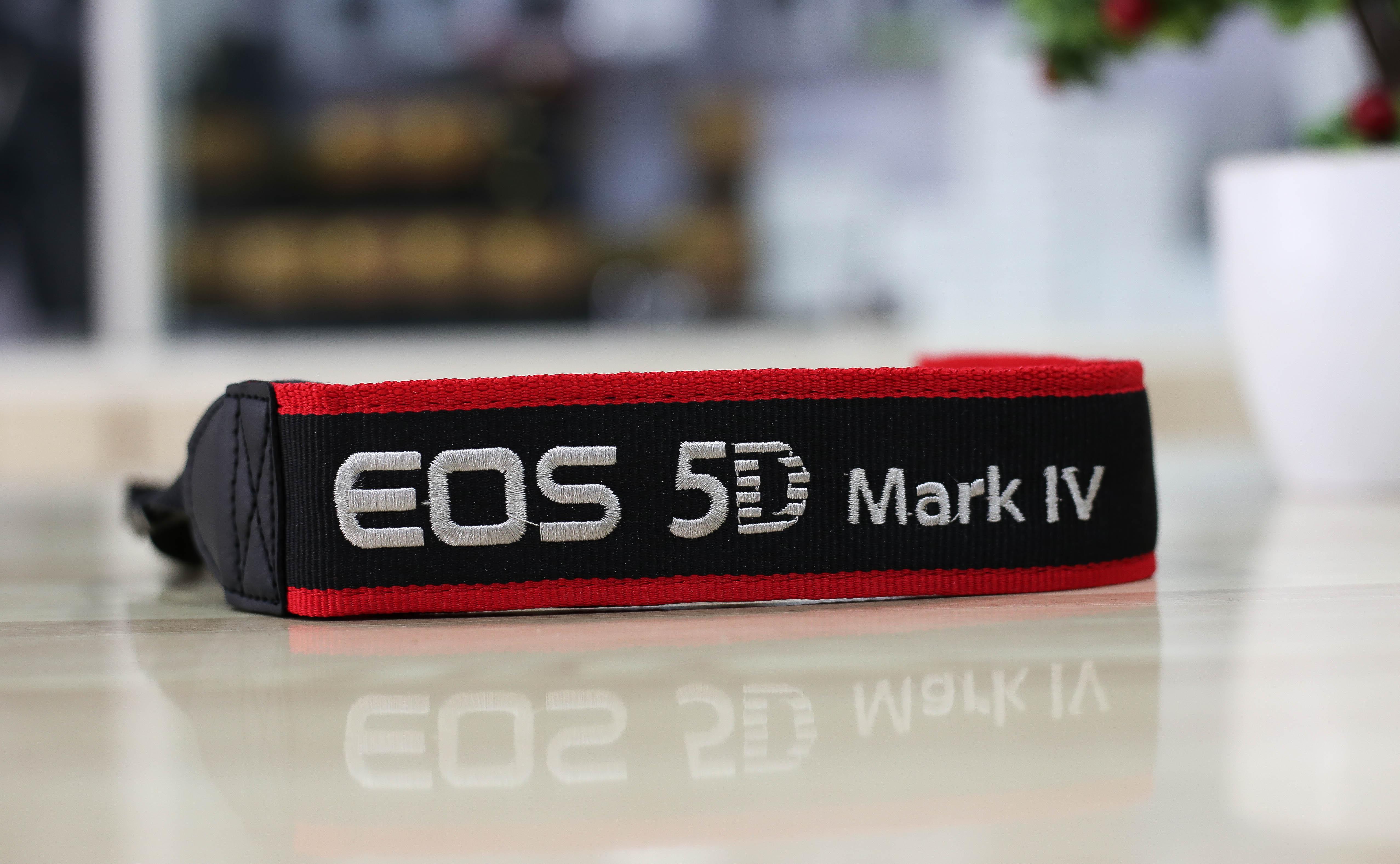 Dây đeo máy ảnh canon 5D mark IV