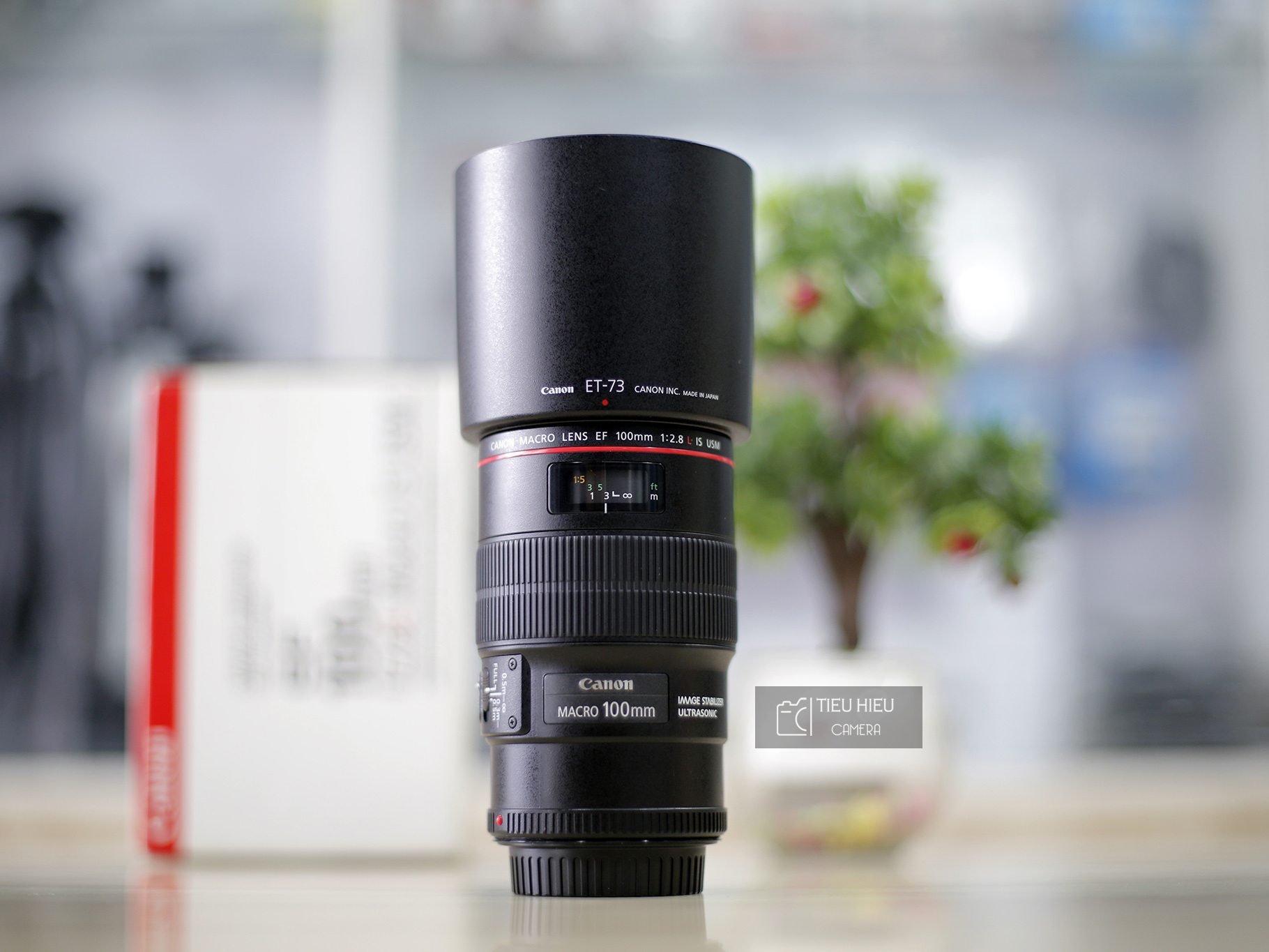 Canon 100 f/2.8L IS Macro